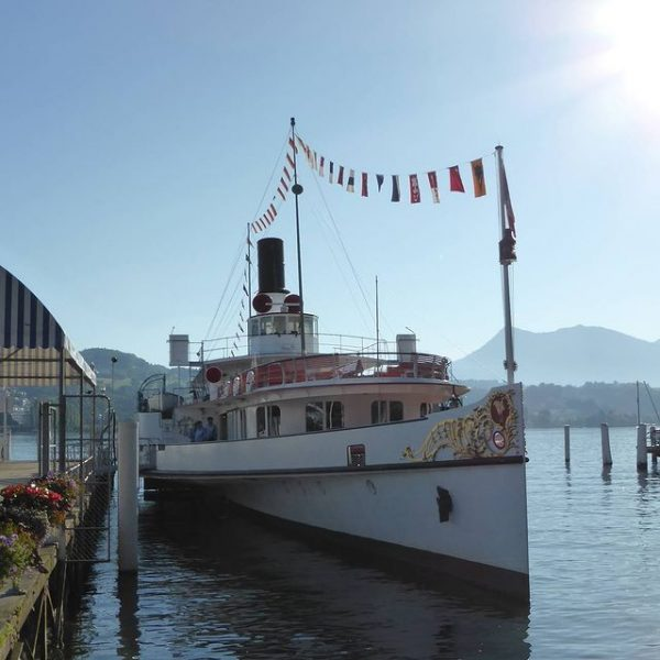 Brunch on a 100 year-old Steamer - Lucerne